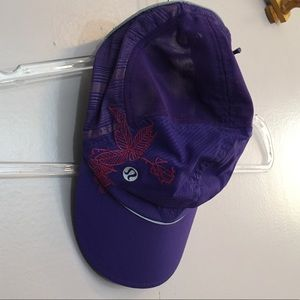 LULULEMON RUNNING CAP WITH EMBROIDERY DETAILING